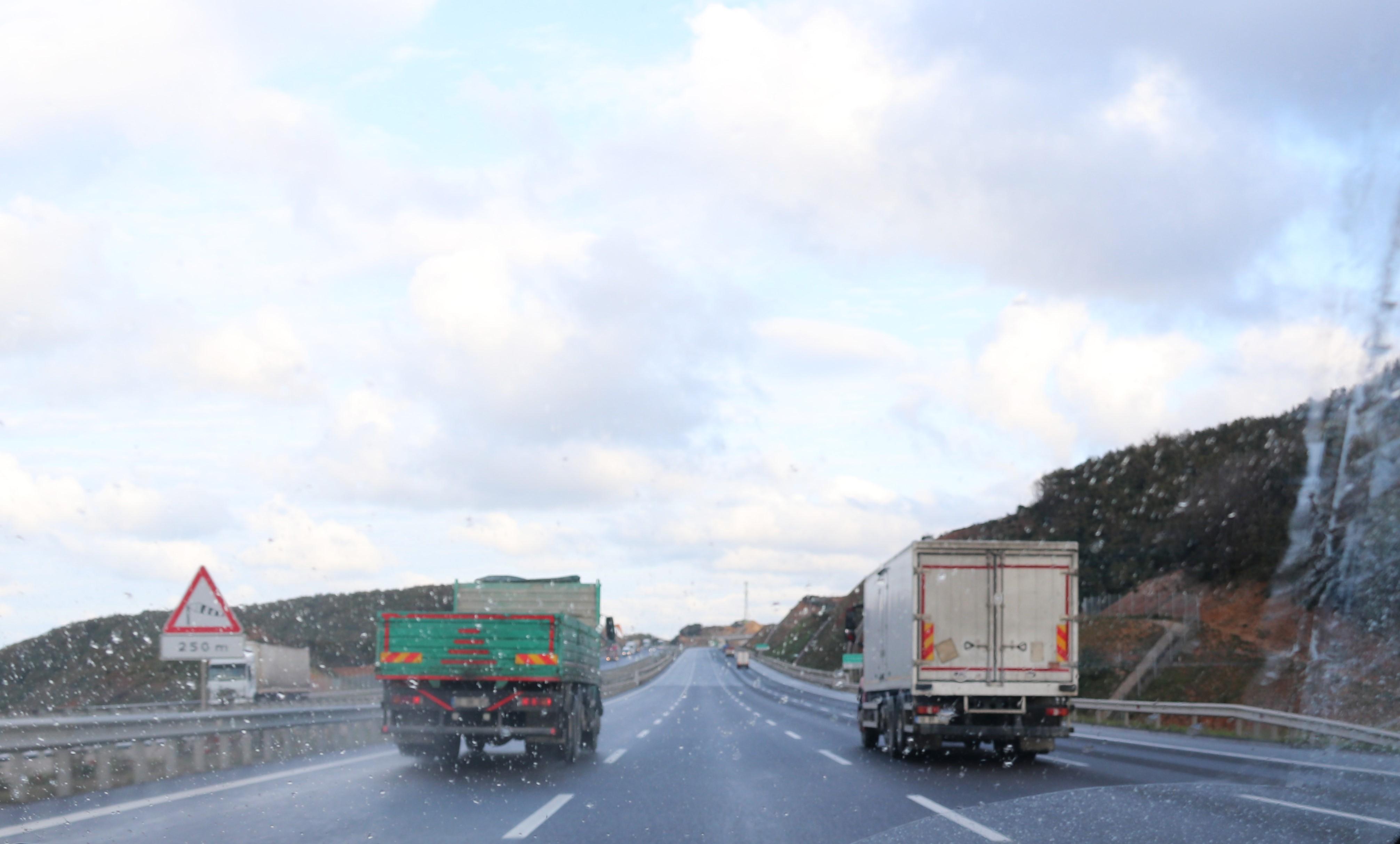 'Kuzey Marmara Otoyolu'nda kamyonlara şerit denetimi yapılmalı'